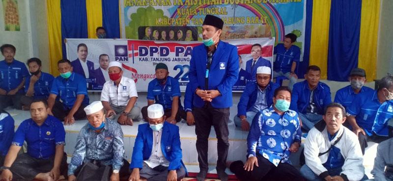 Pengurus DPD PAN Tanjung Jabung Barat Saat Menyambangi Panti Asuhan Aisyiah di Jalan Bhayangkara Kuala Tungkal. (FOTO : JambinetID/Ame, Minggu 23/08/20).