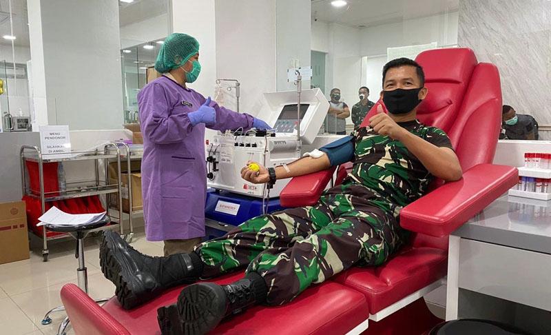 Perwira Mantan Secapa Saat Donor Plasma di RSPAD Gatot Soebroto. (FOTO : JambinetID/Dispenda, Selasa 18/08/20).