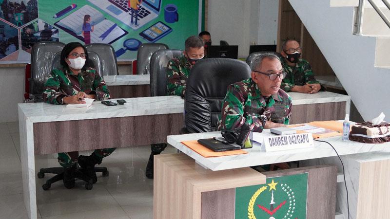 Danrem 042/Gapu, Brigjen TNI M. Zulkifli Ketika Memberi Pengarahan Kepada Satuan Jajaran Korem 042/Gapu Secara Virtual. [FOTO : JambiNET/REM042]