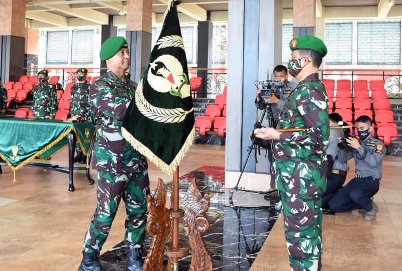 Kasad Jenderal Andika Perkasa Pimpin Serah Terima Jabatan Irjenad dan Pangdam V/Brawijaya. [FOTO : JambiNET/ Dispenad]